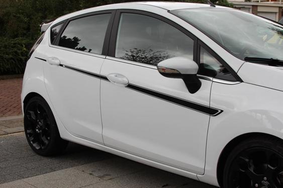 Fiesta Mk7 5 Door side stripes White 4