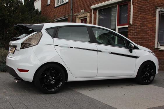 Fiesta Mk7 5 Door side stripes White 6
