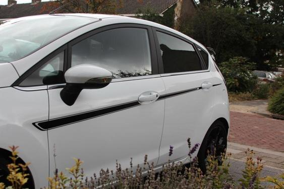 Fiesta Mk7 5 Door side stripes White 8